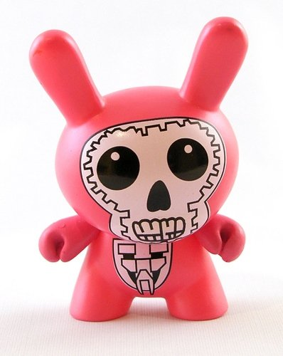 Bootleg Dunny Pink figure, produced by Bootleg. Front view.