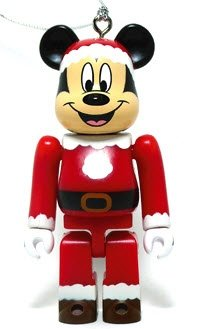 Mickey Mouse Santa Version Be@rbrick figure by Disney, produced by Medicom Toy. Front view.
