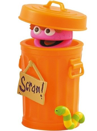 Oscar Kubrick 100% - Orange figure by Sesame Workshop, produced by Medicom Toy. Front view.