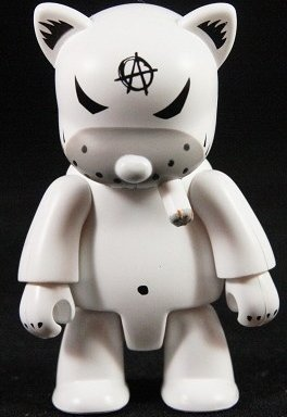 Anarqee Cat figure by Frank Kozik, produced by Toy2R. Front view.