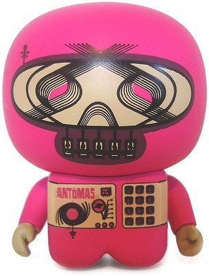Fantomas Unipo figure by Unklbrand, produced by Unklbrand. Front view.