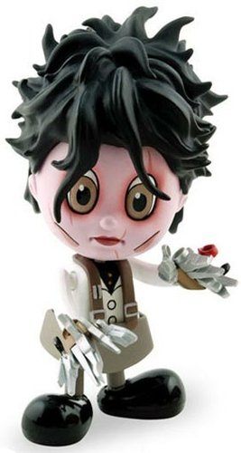 Edward Scissorhands (Casual Ver.) figure by Tim Burton, produced by Hot Toys. Front view.
