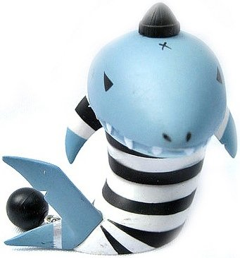 Mackie - Jail Variant figure by Frank Kozik, produced by Kidrobot. Front view.