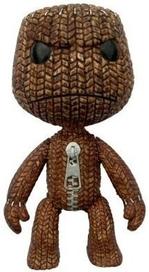 Sackboy (Angry) figure by Mark Healey And Dave Smith, produced by Brazier & Co. Front view.