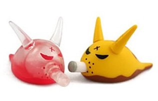 Bob - Bloody & Yellow figure by Frank Kozik, produced by Kidrobot. Front view.