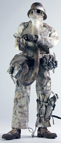 Fantome de Plume - 3AA Exclusive figure by Ashley Wood, produced by Threea. Front view.