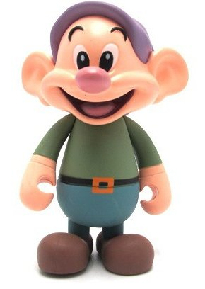 Dopey figure by Disney, produced by Mindstyle. Front view.