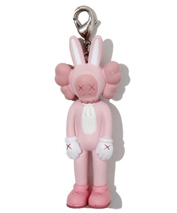 Accomplice Keychain - Pink figure by Kaws, produced by Medicom Toy. Front view.