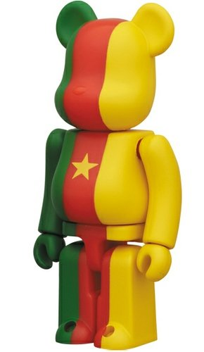Cameroon - Flag Be@rbrick Series 25 figure, produced by Medicom Toy. Front view.