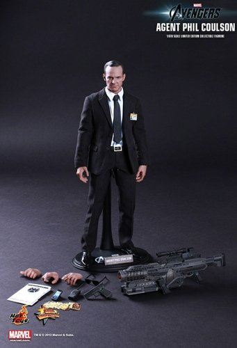 Agent Phil Coulson figure, produced by Hot Toys. Front view.