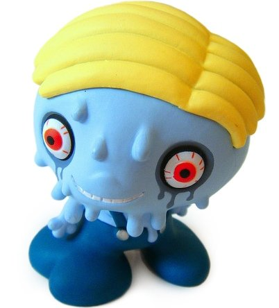 Sammy-kun figure by Junko Mizuno, produced by Kidrobot. Front view.