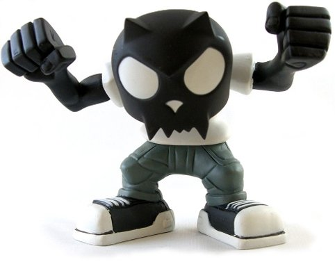 Bobble Head Devil Toyer - Black Head White T-Shirt  figure by Toy2R, produced by Toy2R. Front view.