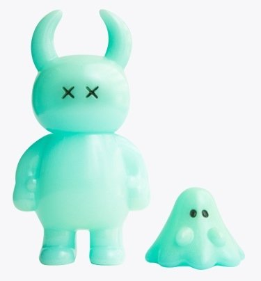 Uamou & Boo Blue GID - Ouch figure by Ayako Takagi, produced by Uamou. Front view.