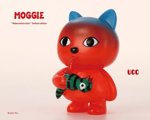 UCC Moggie Summer Version (watermelon) figure by Jink Wu, produced by Unusual Creation Club. Front view.