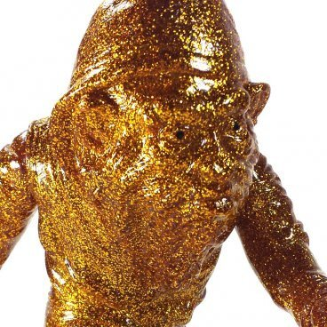 URBAN BIG FOOT JUNGLE GOLD figure by Ron English, produced by Toy Art Gallery. Detail view.