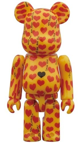 Yellow Heart BE@RBRICK 100% figure, produced by Medicom Toy. Front view.