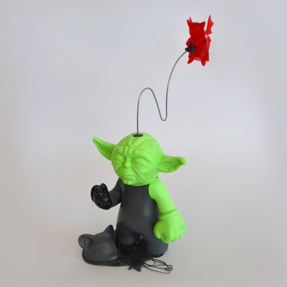 Yoda Possessed (Green) figure by Dave Bondi, produced by Dave Bondi Art. Side view.